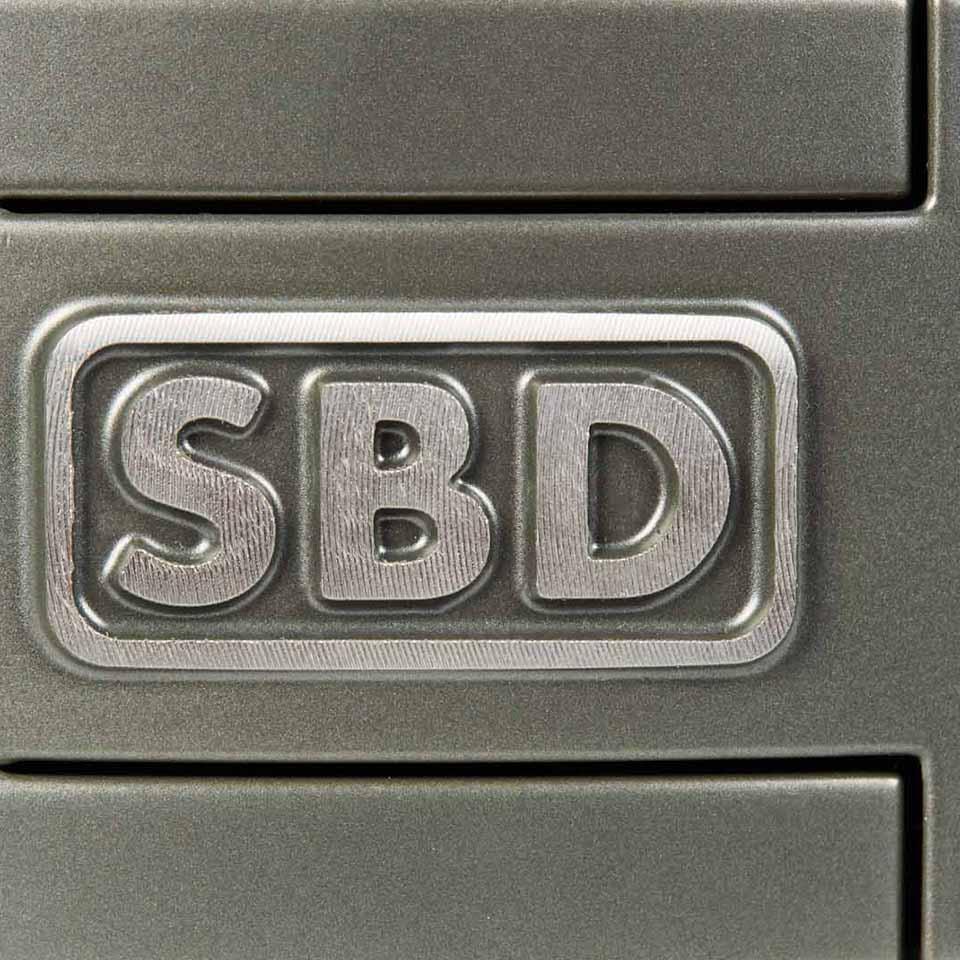 SBD-logga på lyftarbälte
